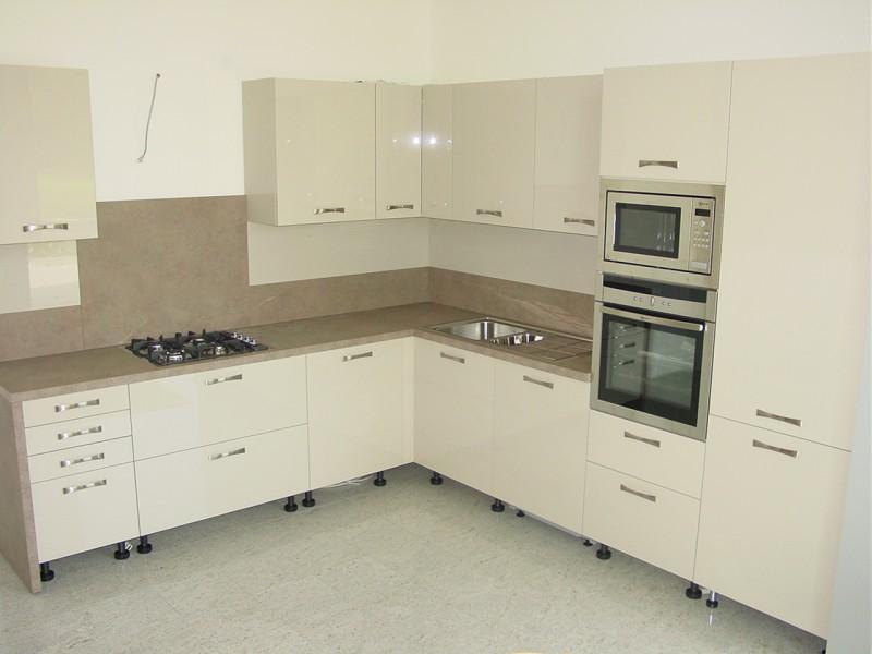 Montaggio cucina transappenninica - Montaggio cucina ikea ...